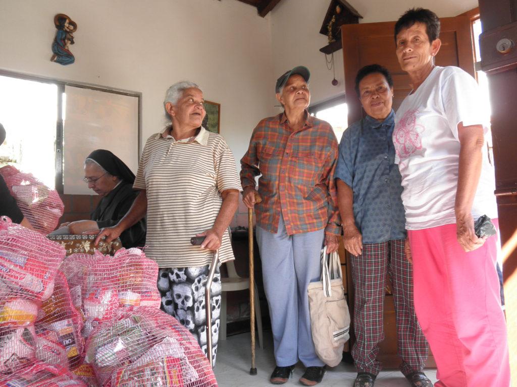 23.- 2 MERCADOS PARA 350 FAMILIAS POBRES EN NAVIDAD (3)
